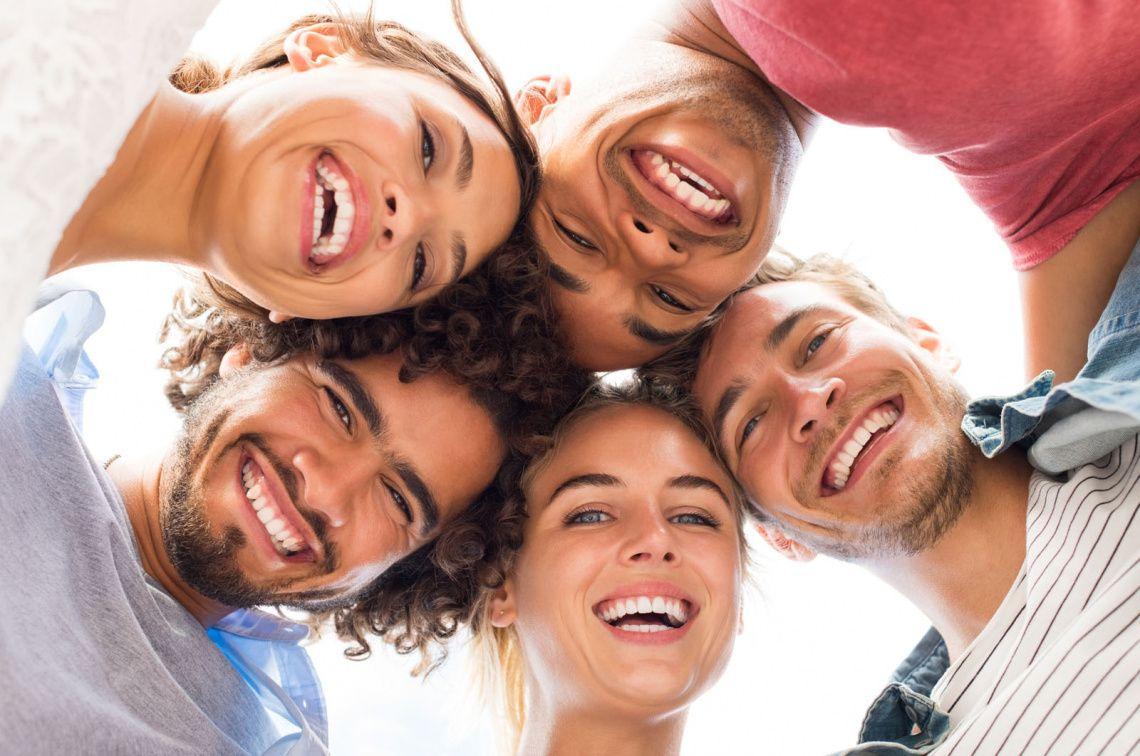Открытки с улыбками людей, днем рождения
