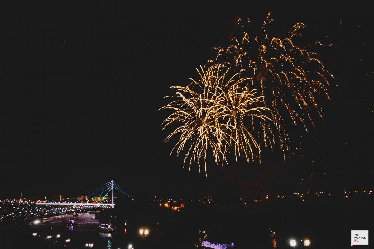 Тюмень в День города: «Сны улиц» и праздничный салют