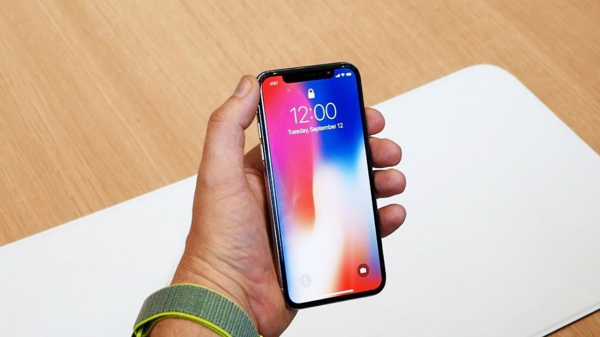 Владельцы iPhone Xмассово выставляют свои устройства напродажу