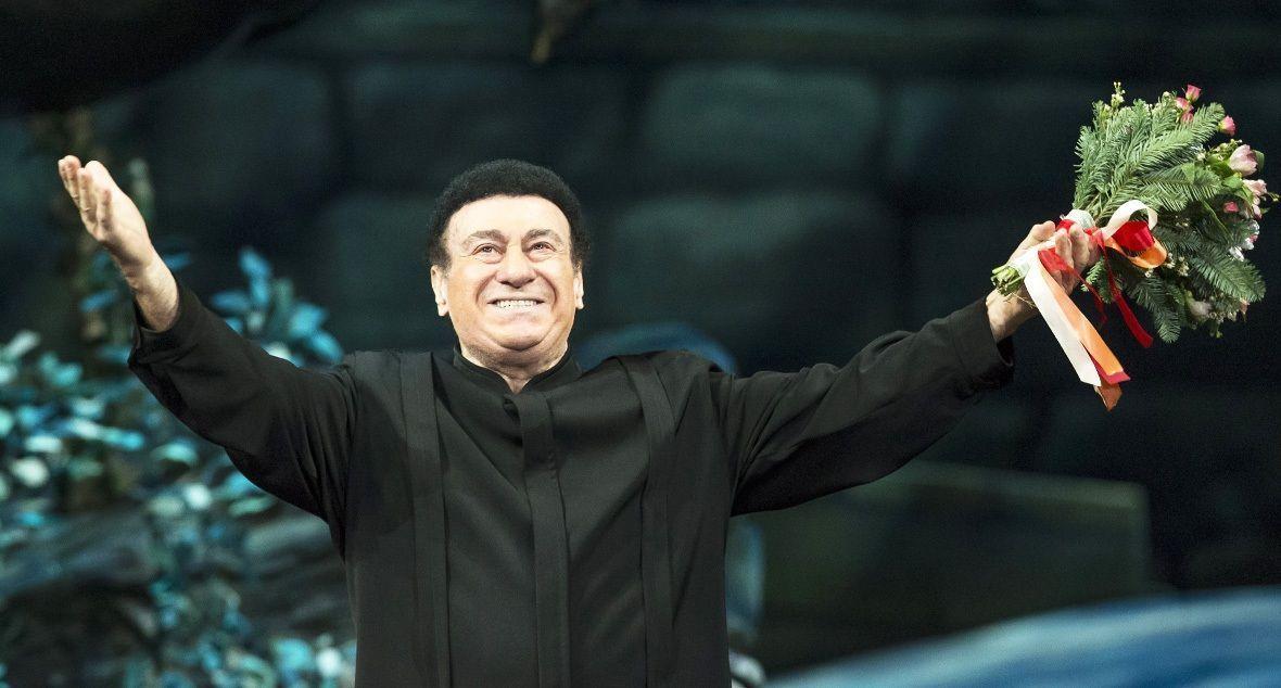 ВТбилиси проходит гражданская панихида поЗурабу Соткилаве