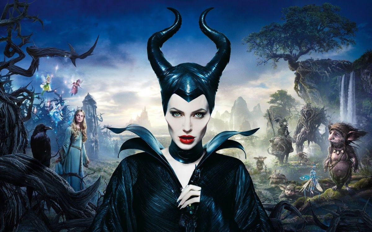 Вweb-сети интернет появились первые фото Анджелины Джоли сосъемок «Малефисенты-2»