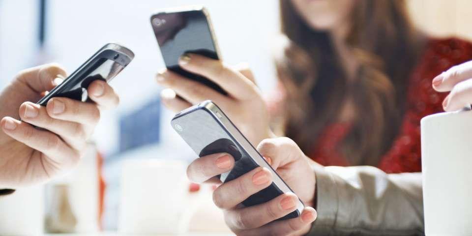Японцы выпустили 10-килограммовый чехол для iPhone